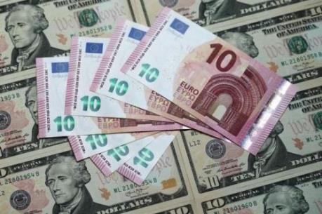 """""""Bán euro, mua USD"""" sẽ là xu hướng phổ biến năm 2016"""