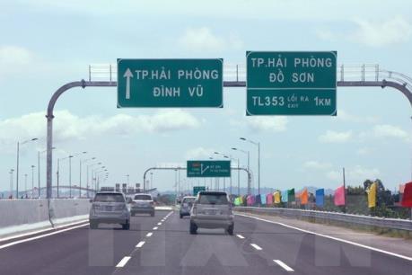 Quyết định cấm xe tải lưu thông trên Quốc lộ 5 gây khó doanh nghiệp