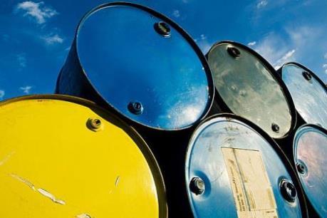 Giá dầu thô Mỹ có nguy cơ rơi xuống 32 USD/thùng