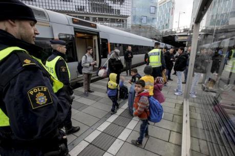 Vấn đề người di cư: Thụy Điển ngừng các chuyến tàu tới Đan Mạch