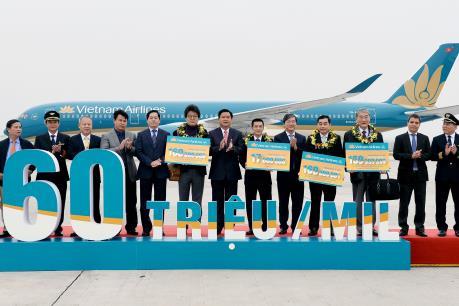 Vietnam Airlines đón hành khách thứ 160 triệu