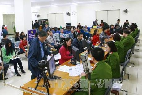 Hà Nội: Hơn 1.000 người đăng ký thẻ căn cước công dân trong ngày đầu tiên