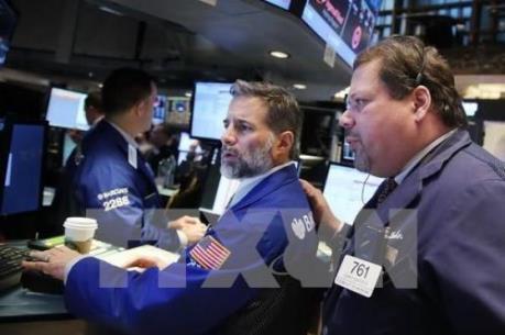 """Chứng khoán châu Âu """"đỏ sàn"""" vì giá dầu"""