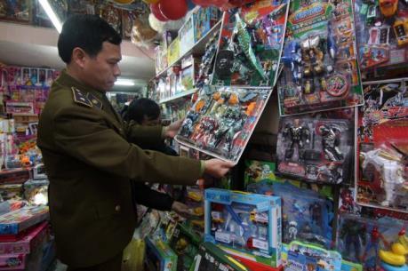 Đồ chơi Trung Quốc vẫn tràn ngập thị trường dù được khuyến cáo