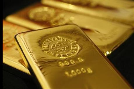 Giá vàng thế giới bất ngờ chạm mức đáy của hai tuần qua