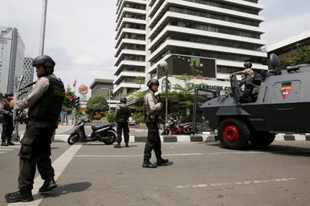 Vụ khủng bố ở Jakarta: Xác định danh tính nghi phạm thứ 2, bắt giữ 12 nghi can