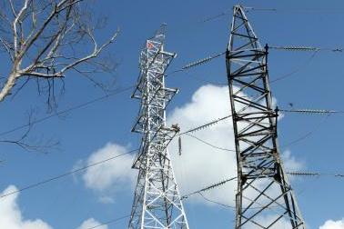 Nối lại liên kết lưới điện 220kV giữa miền Bắc và miền Trung