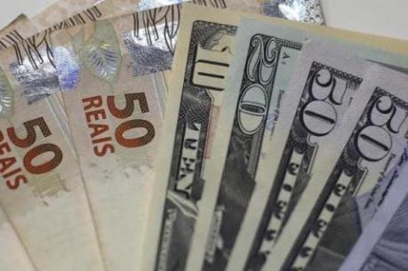 Đồng real Brazil giảm xuống mức thấp kỷ lục so với USD