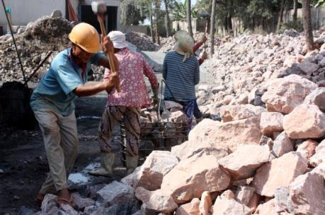 4 người chết, 3 người vẫn mắc kẹt trong vụ sạt mỏ đá ở Thanh Hóa