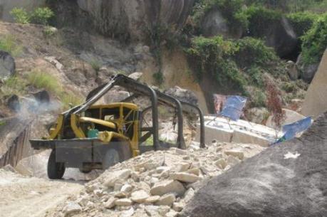 Người dân Phú Thọ khốn khổ vì tình trạng khai thác cao lanh tràn lan