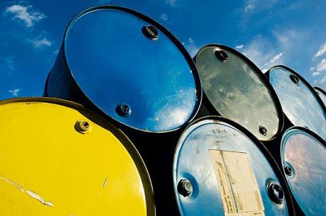 Giá dầu thô tiếp tục đà tăng