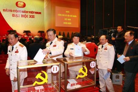 Đại hội Đảng: Công bố kết quả bầu cử Ban Chấp hành Trung ương khóa XII