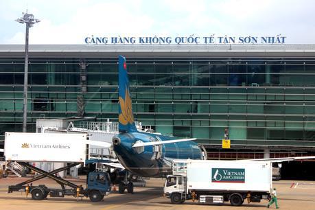 Ùn tắc tại sân bay Tân Sơn Nhất trong những ngày trước Tết