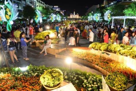 """Các khu vui chơi giải trí tại Thành phố Hồ Chí Minh """"hút"""" khách ngày đầu Xuân"""