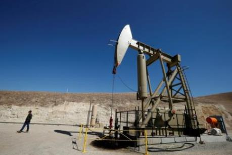 IEA: Giá dầu vẫn ở mức thấp trong năm nay