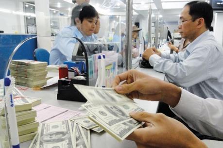 Tỷ giá trung tâm ngày 24/2 tăng 2 đồng, giá USD ngân hàng đứng yên