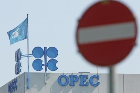 """OPEC sẽ không đạt được đồng thuận về """"đóng băng"""" sản lượng?"""