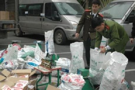 """Quản lý thị trường Hà Nội tăng cường xử lý vi phạm ở các điểm """"nóng"""""""