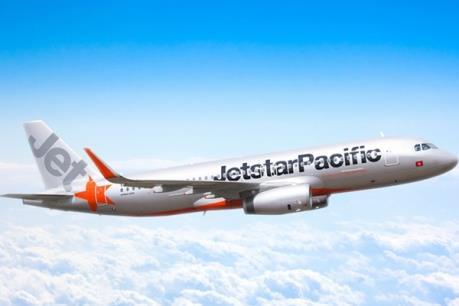 Một em bé chào đời trên chuyến bay Jetstar Pacific ở độ cao 10.000 mét