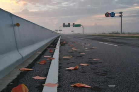 Chấn chỉnh tình trạng rải vàng mã trên đường giao thông