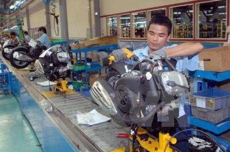 Sản lượng công nghiệp của Trung Quốc tăng thấp nhất trong 8 năm