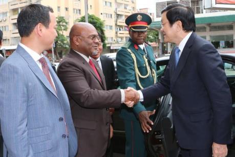 Chủ tịch nước Trương Tấn Sang thăm Công ty Movitel