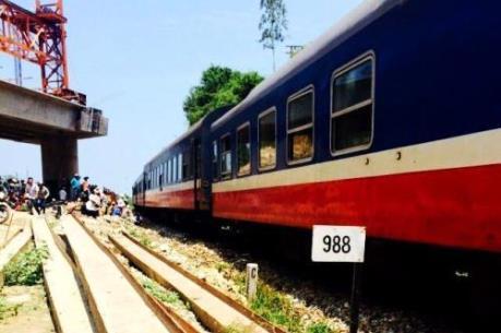 Sập cầu Ghềnh ở Đồng Nai: Tê liệt 9 chuyến tàu Bắc – Nam