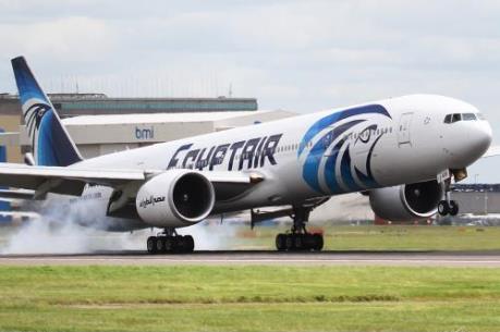 Máy bay Ai Cập chở theo 81 người bị không tặc bắt cóc