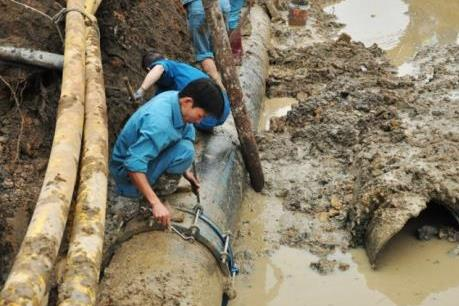Quảng Ninh: Khẩn trương khắc phục sự cố vỡ đường ống cấp nước của thành phố