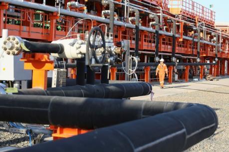 Giá dầu châu Á ngày 13/4 giảm 2%