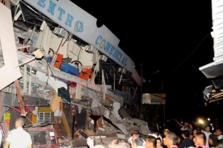 Động đất 7,8 độ richter rung chuyển Ecuador