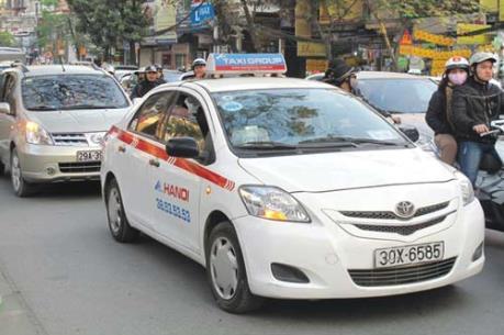 Doanh nghiệp taxi hoạt động tại Hà Nội và TP.HCM phải có tối thiểu 200 xe