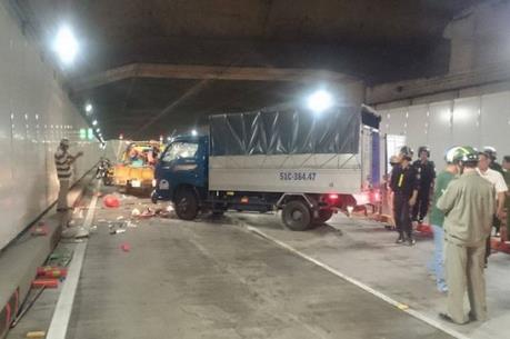 Tai nạn nghiêm trọng tại hầm Thủ Thiêm làm 1 người chết và 4 người bị thương