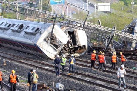 Tai nạn tàu hỏa tại Hàn Quốc, 9 người thương vong