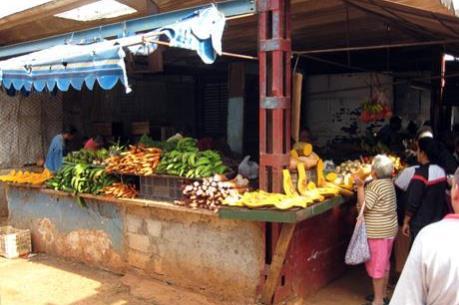 Cuba giảm giá một số hàng hóa thiết yếu