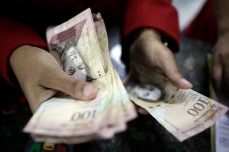 Venezuela tăng 30% lương cơ bản cho công nhân