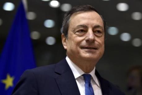 """Sự """"tiếp sức"""" của ECB là cần thiết cho đà phục hồi kinh tế Eurozone"""