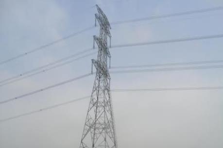 Ảnh hưởng bão số 1: Sự cố lưới điện truyền tải cao áp không gây gián đoạn cung cấp điện