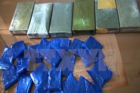 Bắt giữ đối tượng vận chuyển trái phép 1,7 kg ma túy