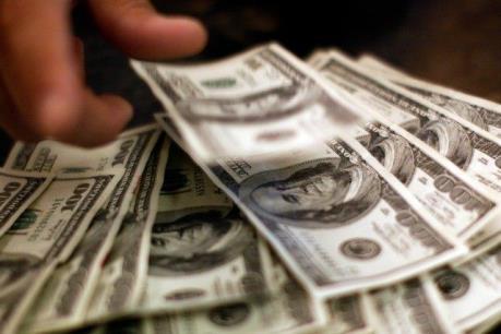 """Các nền kinh tế mới nổi """"cất"""" hơn 12.000 tỷ USD tại tài khoản bí mật"""