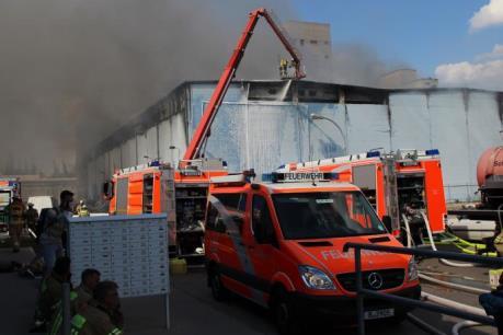 Việt kiều ở Đức lao đao sau vụ cháy trung tâm thương mại ở Berlin