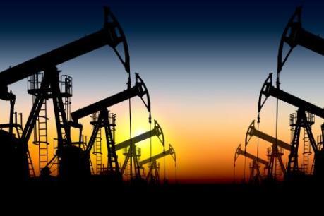 Giá dầu sắp chạm mức thấp nhất trong hai tháng