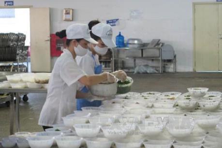 Đình chỉ hoạt động Happy Spoon cung cấp suất ăn gây ngộ độc