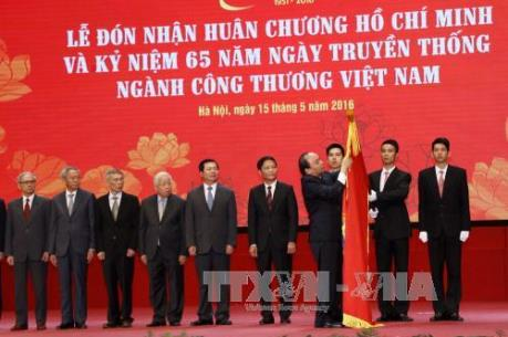 Thủ tướng Nguyễn Xuân Phúc: Cần phát triển sản xuất công nghiệp theo chiều sâu