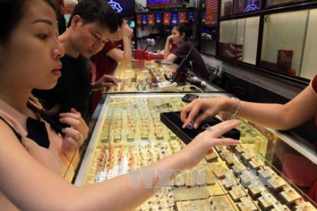 Giá vàng trong nước nối dài đà giảm
