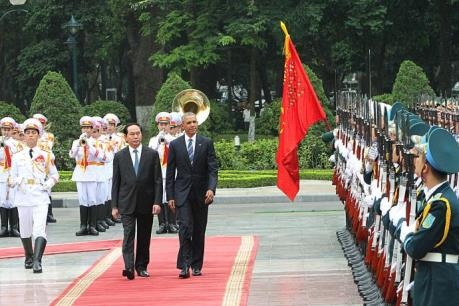 Báo chí Pháp đưa đậm tin về chuyến thăm Việt Nam của Tổng thống Mỹ