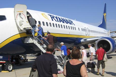 Hàng không giá rẻ Ryanair sẽ giảm 5-7% giá vé mùa Hè