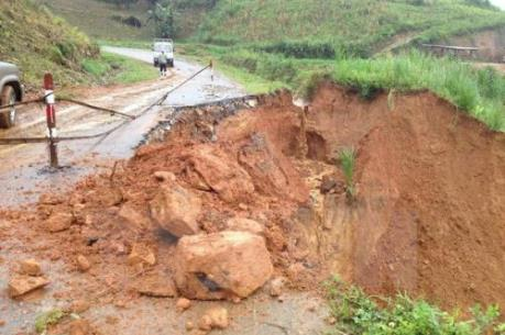 Tin bão số 1: Cảnh báo lũ quét, sạt lở đất tại vùng núi phía Bắc và Thanh Hóa