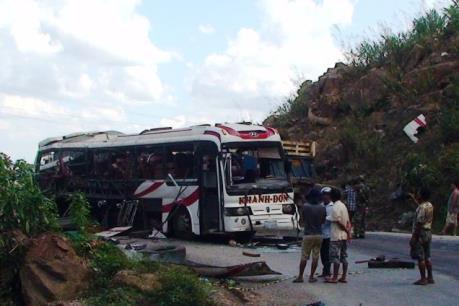 Nổ xe khách tại Lào: Đã xác định danh tính 7/8 nạn nhân người Việt