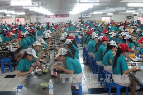 64 công nhân Công ty TNHH Simone nhập viện nghi ngộ độc